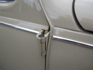 VW Beetle door hinge